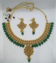 Chokar Ethnic Yellow Polki And Green Onyx Pearl Necklace Set, Size: Adjustable