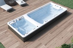 White Fiber Glass and Civil Type SPA Pools