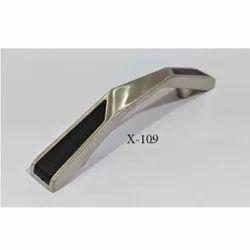 X-109 WO F.H Door Handle