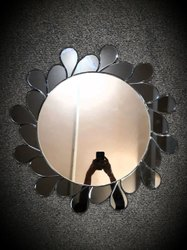 Glass Fancy Wall Mounted Mirror, Mirror Shape: Round
