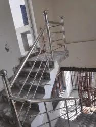 Silver Stainless Steel Railing, Mounting Type: Floor