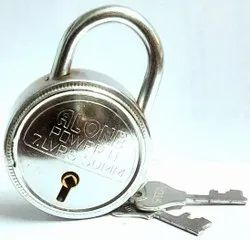 Alone With Key 50MM Round Padlock, Packaging Size: <10 Piece, Chrome