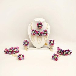 Traditional Ladies Designer Pearl Floral Handmade Necklace Set