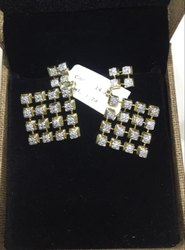 Real Diamonds Party Wear Diamond Earrings, 14 Kt