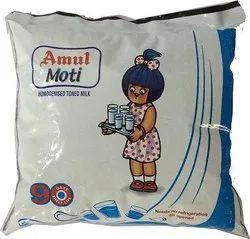 Amul Moti Homogenised Toned Milk, 450 mL Pouch