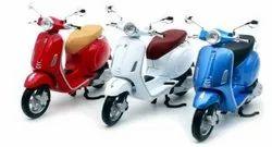 Metal with Plastic Parts Vespa Motorscooters - Die Cast 1:12 Latest Collection