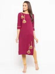 Women Embroidered Crepe Straight Kurti(Maroon)