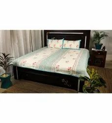 King Size 3 Layered Cotton Filled Machine Quilted Block Print Bed Cover (Comforter)