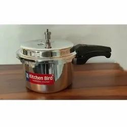 Silver Wrought Aluminium 5 L Kitchen Bird Outer Lid Pressure Cooker, For Home, Size: 5lt