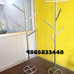 Silver Coat Hanger Stand Steel, For SHOWROOM,Hostels, Size: 6feet