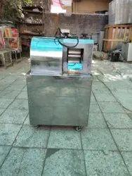 Electric Sugarcane Machine, Yield: 150 - 350 ml/kg