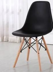 Wooden Designer Cafeteria Chair, Seating Capacity: 1 Person, Size: 1.5 Feet