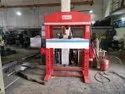 OMKAR Make Hand Operated Hydraulic Press Machine - 15 Ton