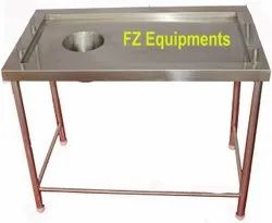 Powder Coated Stainless Steel Table With Chute For Restaurant, Number of Shelves: One