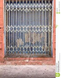 Sliding White Mild Steel Collapsible Gate, For Residential,Commercial
