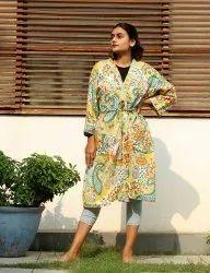Light Yellow Paisely Short Kimono Robe