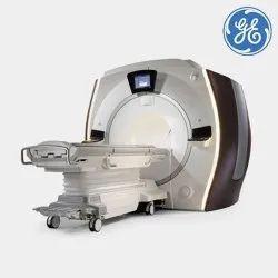 3 T (Tesla) GE Healthcare Optima MR750w GEM 3T MRI Machine