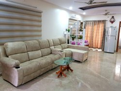 Cream Modern Wooden Leather Sofa, For Home, Size/Dimension: 8 X 3 Feet