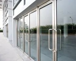 Hinged 10 mm Toughened Glass Door, For Office