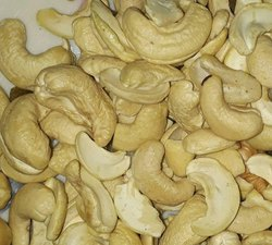 Organic Natural Cashew Nut, Packaging Type: Carton, Packaging Size: 10 Kg
