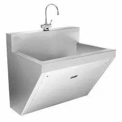 Silver Stainless Steel OT Scrub Sink, Manual, 6x3x2 Feet
