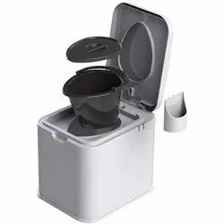 Supremo Top Opening Portable Toilet Seat, Packaging Type: Box, Size/ Dimension: 365 X 495 X 450 Mm