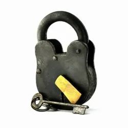 Mhe Normal Handmade Cast Iron Antique Padlock With 2 Keys, Black Finish,, Padlock Size: 40 Mm, Packaging Size: <10 Piece
