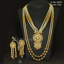 Fusion Arts Traditional Pearl Necklace Set