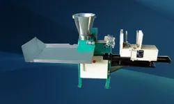不锈钢香菜棒制造机,生产能力:5-10千克/小时,200-250英尺/分钟