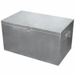 金属后备箱