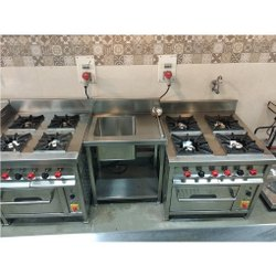 Continental 4 Burner With Oven