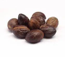 Whole 15kg Dry Nutmeg, Packaging Type: Jute Bag