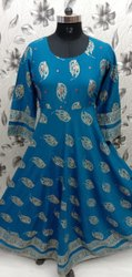 Party Wear 3/4th Sleeve Rayon Anarkali Kurti, Size: Medium, Wash Care: Dry clean