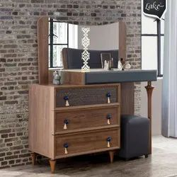 Brown Rectangular Wooden Makeup Table, For Home
