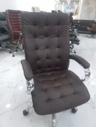 High Quality Fabric & Leather 120 Kg Office Chair, Size: 490 Mm, Black