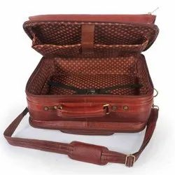 Brown Leather Traveling Overnighter Luggage Bag, Size/Dimension: 20 X 37 X 44 Cm