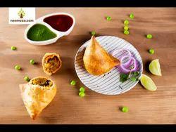 Ready To Eat Frozen Punjabi Aloo Matar Samosa, 1 Kg