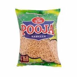 Pooja Lehsun Sev Namkeen, Packaging Type: Packet, Packaging Size: 450gms
