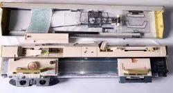 Hand Driven Flat Knitting Machine, E18