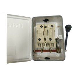Main Switch 32/240 DP Boxer