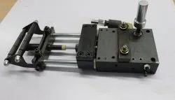 Plain Pneumatic Feeder, Automation Grade: Automatic, Model Name/Number: AF-3C