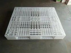 Plastic Pallets 1300-1100-150 mm Size