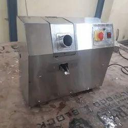 Commercial Semi-Automatic Automatic Sugarcane Juice Machine, Yield: 400 ml/kg