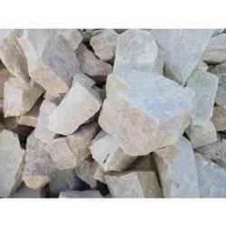 White Solid Potash Feldspar Lumps, Grade: Chemical Grade