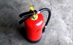 A B C Dry Powder Type Red Fire Extinguisher, For Industrial Use, Capacity: 4 Kg
