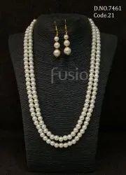 Fusion Arts Pearl Necklace Set