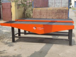Vibrator Table For Designer Paver Tiles Making Machine