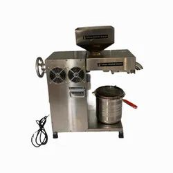 Mini Expeller Automatic Edible Oil Extraction Machinery For Business, Size: 700 X 210 X 710mm, Capacity: 18-22 Kg/Hr