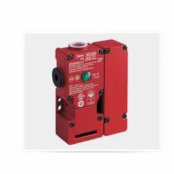 IDEC HS1C Full-Size Locking