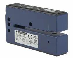 XUVU06M3KSNM8 Telemecanique Ultrasonic Label Sensor